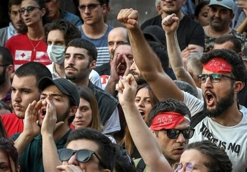 معترضان گرجی خواهان گفت وگوی مستقیم با روسیه شدند
