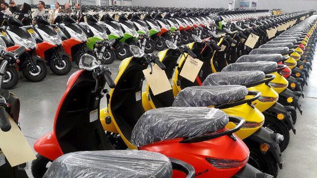 زنان و جوانان؛ مشتریان اصلی موتورسیکلت های برقی!