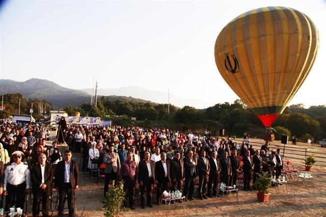 پرواز اولین بالن تفریحی در شهر گرگان هم زمان با جشنواره تابستانی هیرکان
