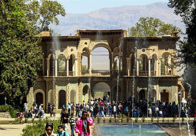 نجات گردشگری کرمان با جذب تورها