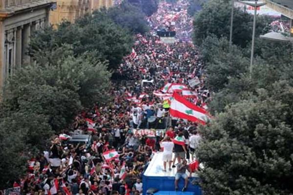 پنجمین روز ناآرامی های لبنان؛ میان مقامات و احزاب این کشور چه می گذرد؟