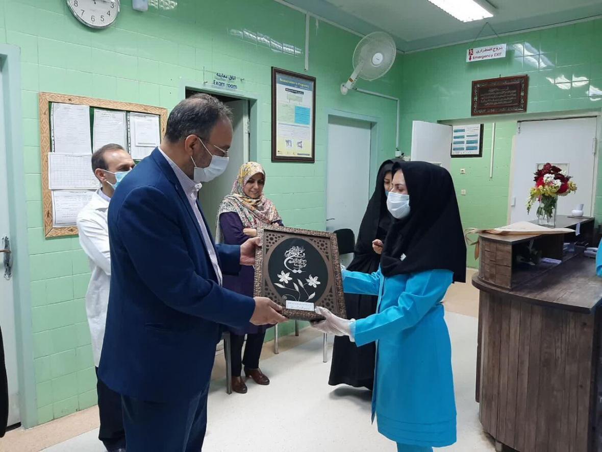 خبرنگاران ماماهای بیمارستان مهریز تجلیل شدند