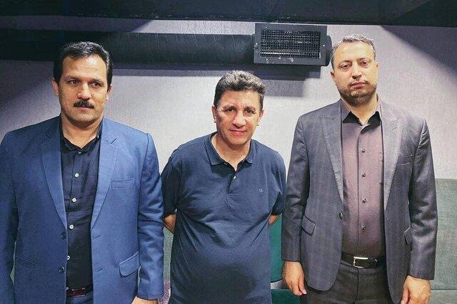 بی سلیقگی فوتبال ایران در معارفه ها، از نصب بنر تا عکس با کانال کولر